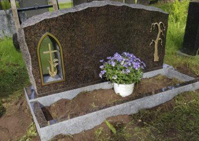 Hautakivi Netistä